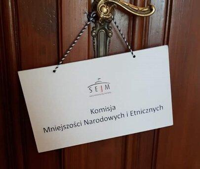 komisja MNE