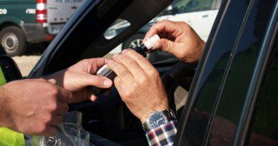 Mysłowice: Ôżarty szofer wjechoł w inksze auto i uciyk