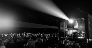 Latowe kino na placu w Radlinie
