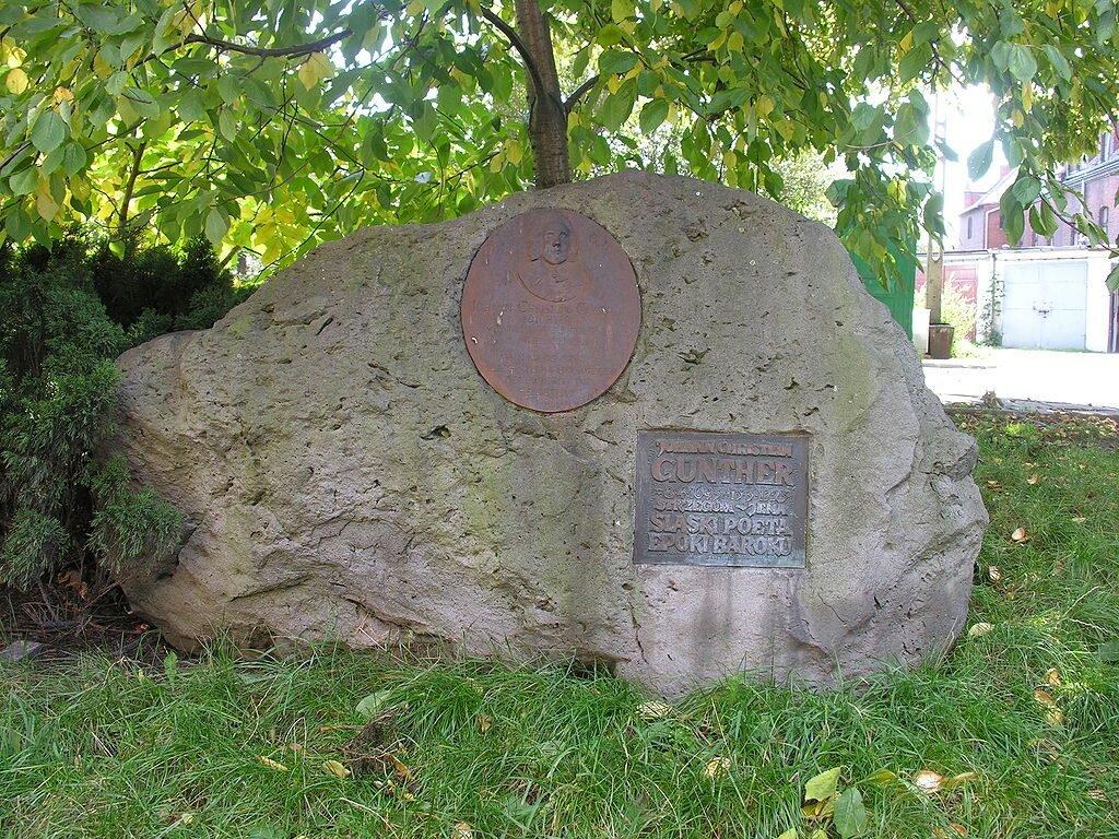 Kamień ku czci Johanna Günthera w Strzegomiu, fot.: Bonio / Wikimedia Commons