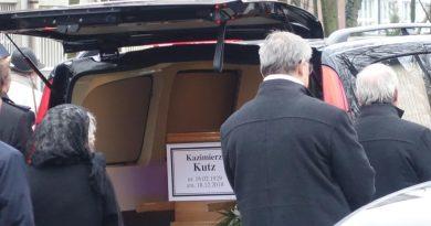 Tłumy pożegnały Kazimierza Kutza, największego Ślązaka współczesności [ZDJĘCIA]
