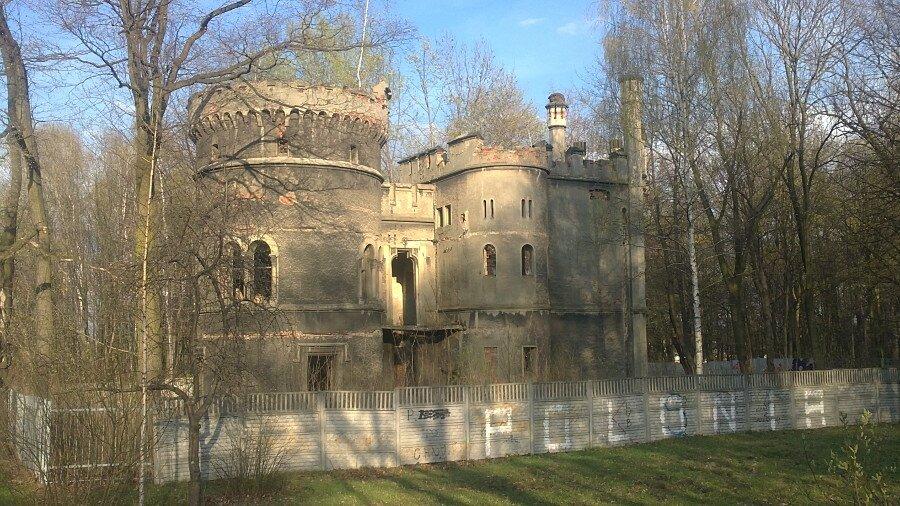 Ruiny pałacu w Miechowicach, fot. Grzegorz Kulik