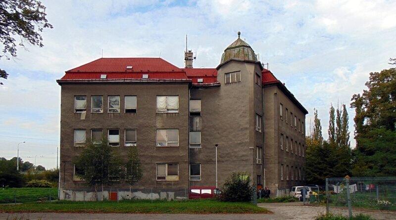 Dŏwno szkoła we Hruszowie (2019)